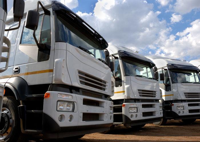 Fotolia_4614415_Subscription_XL[1] - משאיות
